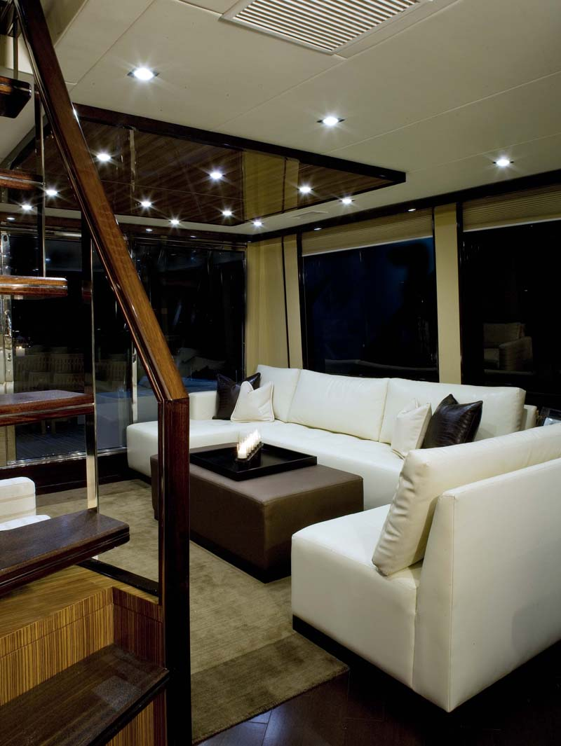Luxury-Breeze-76-Yacht-Inside