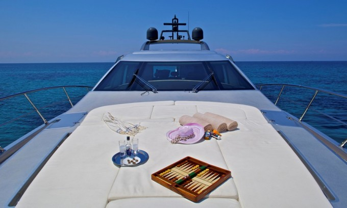 Motor Yacht THEA -  Foredeck-680